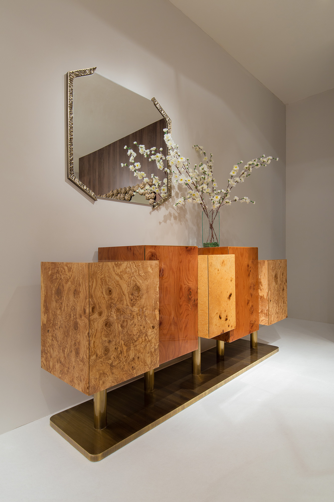 INSIDHERLAND Ambiences exclusive home luxury interiors sideboard roots wood brass mirros handcrafted